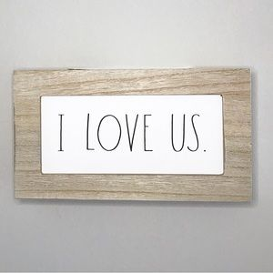 🆕 💕 I LOVE US Sign